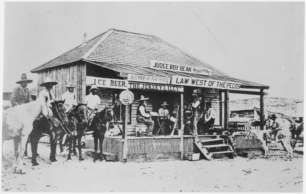 1280px--Judge_Roy_Bean,_the_`Law_West_of_the_Pecos,'_holding_court_at_the_old_town_of_Langtry,_Texas_in_1900,_trying_a_horse_th_-_NARA_-_530985
