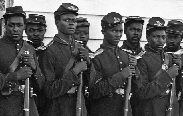 Czarni żołnierze Unii. Źródło: blackthen.com